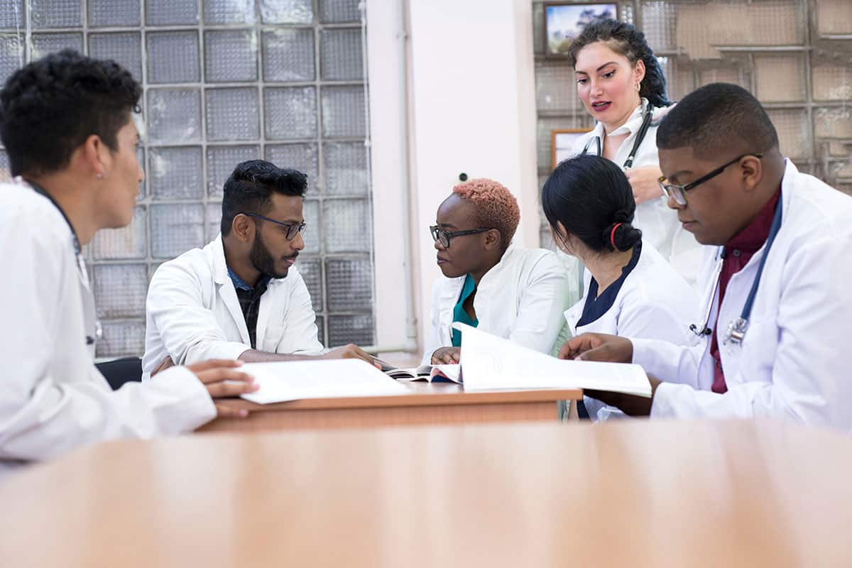 Doctors having a discussion